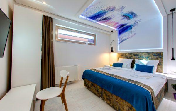 Standardna dvokrevetna soba
